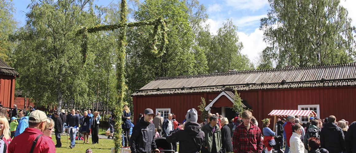 Bilder från Maxat midsommarläger i Röbäck